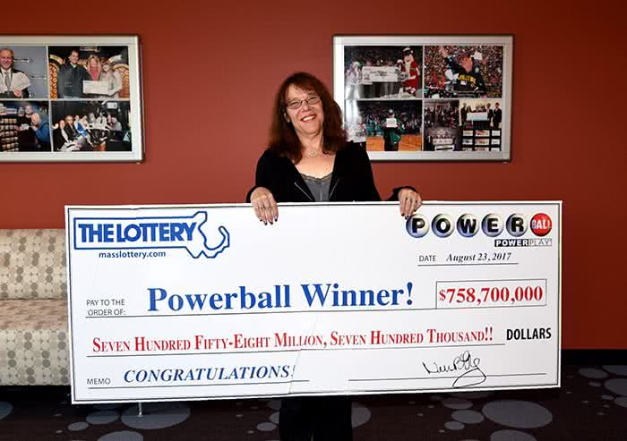 Mavis Wanczyk Powerball lottery winner